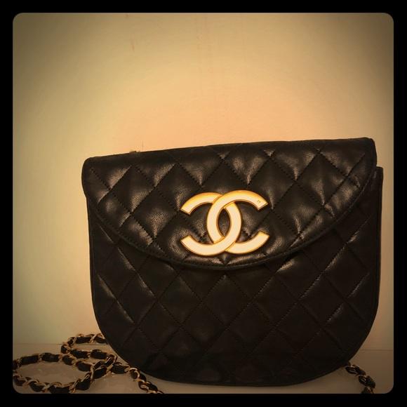 118c794eb15 CHANEL Handbags - Navy lambskin vintage Chanel bag